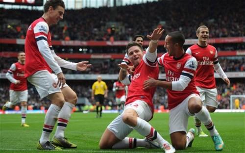 Oliver Giroud celebrates his goal
